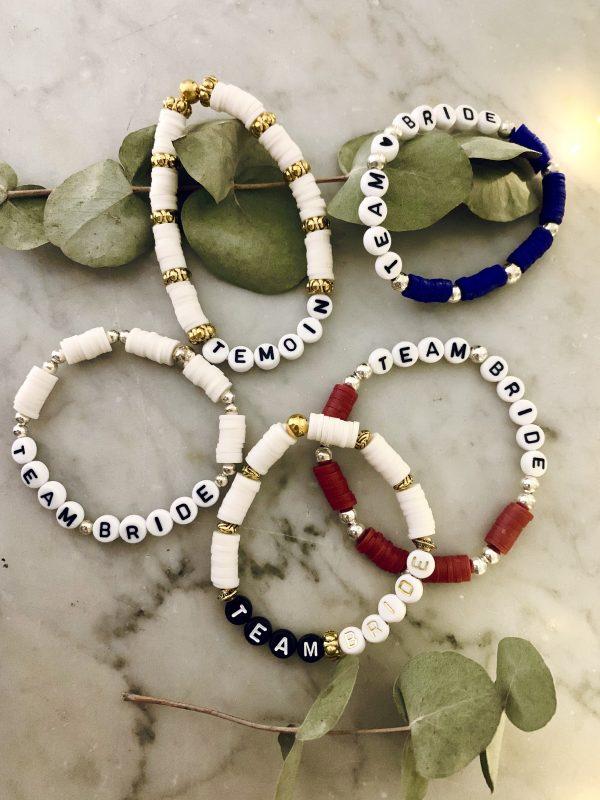 Bracelet en perle avec inscription témoin
