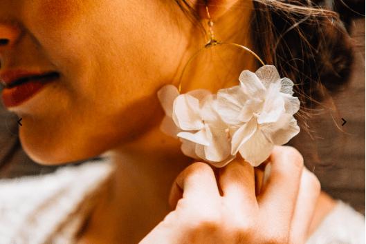 boucles d'oreilles en hortensias stabilisés